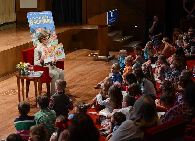Mrs. Laura Bush's Recommended Summer Reading List: Family Reading