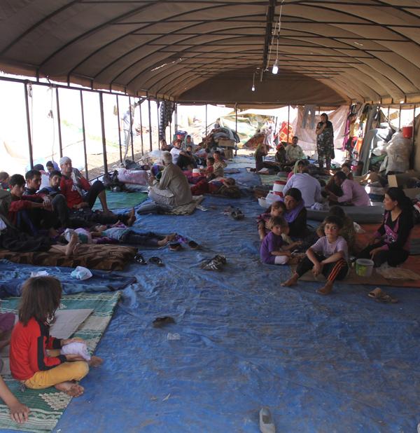 Yazidi refugees on Mount Sinjar in August 2014 (Rachel Unkovic/International Rescue Committee/UK Department for International Development)