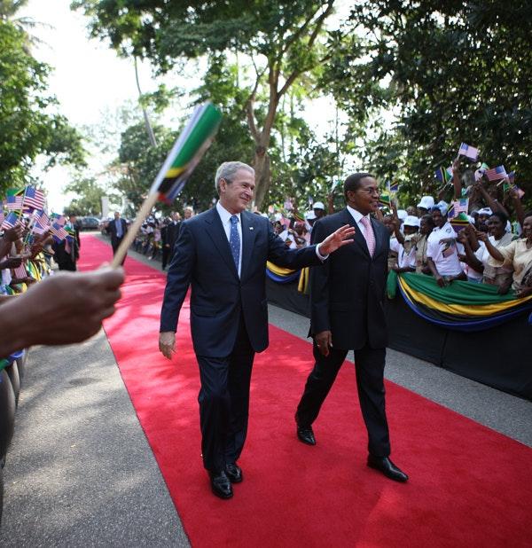 President George W. Bush and President Jakaya Kikwete of Tanzania, sign the $698 million Millennium Challenge Compact, Feb. 17, 2008, in Dar es Salaam. (White House/Eric Draper
