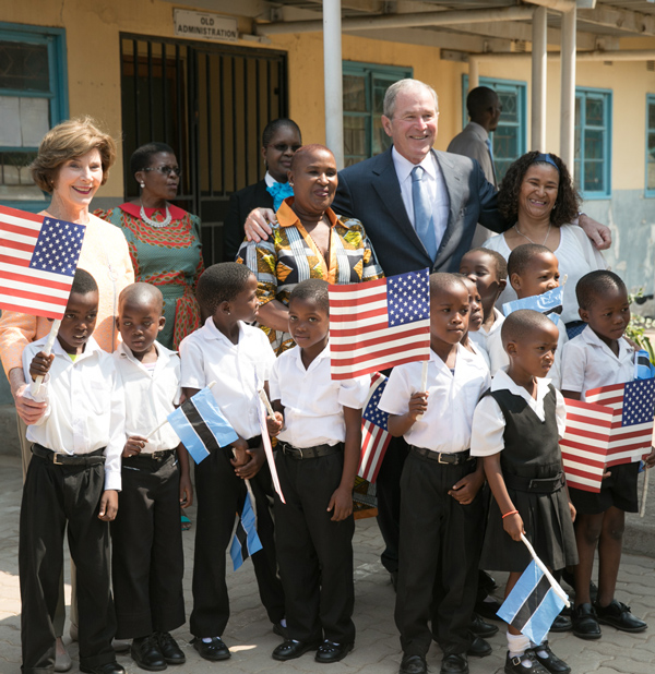 President and Mrs. Bush visit Therisanyo Primary School in Gaborone, Botswana in April of 2017. (Paul Morse / George W. Bush Presidential Center)